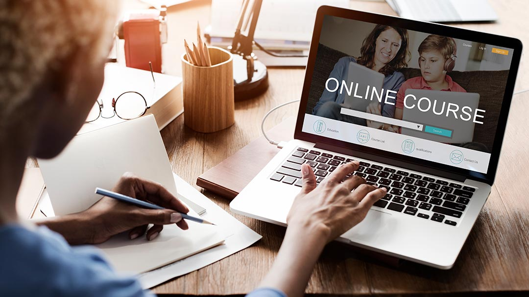 7 strategies to complete online courses successfully